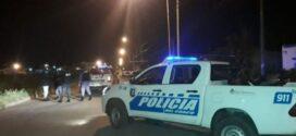 Oficial de Drogas Peligrosas que participaba de una fiesta clandestina se resistió al arresto y atropelló a una policía con su camioneta