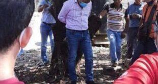 Vecinos ataron a un intendente a un árbol porque no cumplió con sus promesas